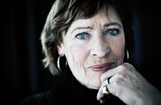 Teater på Facklan: Evabritt à vivre- från Bellman till Brel