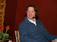 Johannes Brost fick Guldbaggen 2013 för sin rolltolkning av Janne som nattklubbschef i filmen Avalon. Efter filmen fick publiken bekanta sig med Johannes, som var gäst i Kultursoffan. Ett härligt möte med många skratt när Johannes berättade öppet om sitt äventyrliga liv.